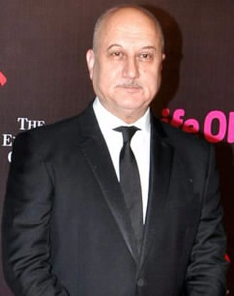 Anupam Kher - Kher at the Green carpet of IIFA Awards 2017