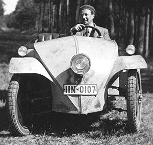 Josef Ganz - Josef Ganz in the Ardie-Ganz prototype, 1930