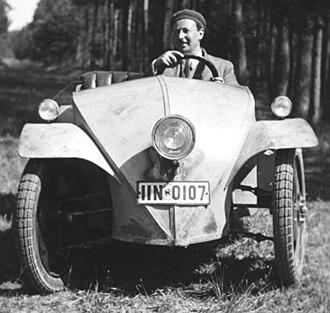 Ardie-Ganz - Josef Ganz behind the wheel of the Ardie-Ganz prototype, 1930