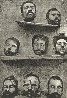 Des têtes décapitées sur une étagère
