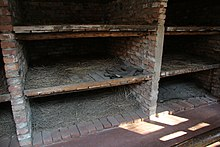 Auschwitz 1 concentration camp bunks 6006 4162.jpg