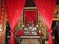 Bàn thờ Tam bảo trong chùa Thới Sơn.jpg
