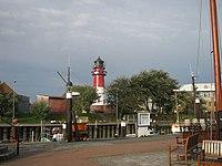 Büsum Museumshafen und Leuchtturm.jpg