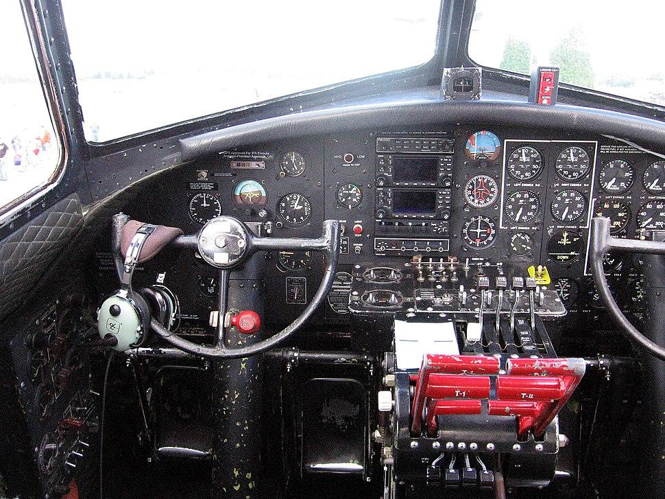 B-17 pilots controls-20060603