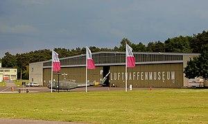 Militärhistorisches Museum Flugplatz Berlin-Gatow - Image: BELL UH 1 HUEY D HATE OUTSIDE THE LUFTWAFFEN MUSEUM AT RAF GATOW BERLIN JUNE 2013 (9024931228)