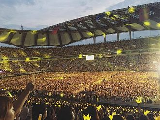 Big Bang (South Korean band) - Big Bang's tenth anniversary concert at Seoul World Cup Stadium on August 20, 2016 was attended by 65,000 people