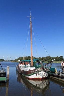 Barßel Bootshafen + Angela 02 ies