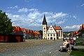 Bardejów (Bardejov). Rynek z ratuszem i bazyliką św. Egidia (św. Idziego). - panoramio.jpg