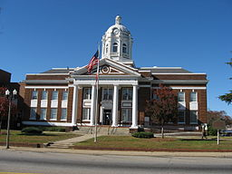Barrow County Courthouse, Winder GA.jpg