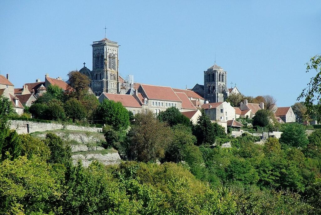 Basilika Ste Madeleine in Vezelay01.jpg