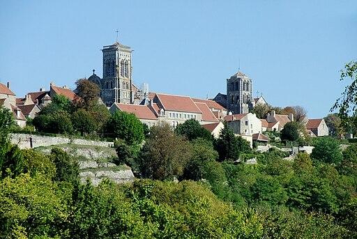Basilika Ste Madeleine in Vezelay01