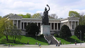 Bavaria statue - Front view of the ensemble of the Bavaria statue and the Hall of Fame (Ruhmeshalle)