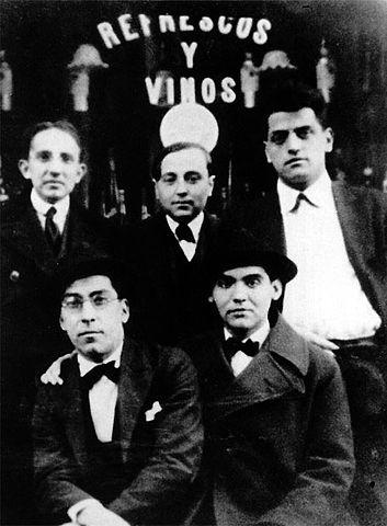 Луис Бунюэль (вверху справа) и Федерико Гарсия Лорка (внизу справа), Мадрид, 1923 год