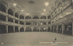 Admiralspalast , Unknown Publisher: (RPH) – Rotophot Berlin [Public domain], via Wikimedia Commons