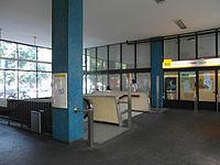 Berlin - U-Bahnhof Turmstraße (9490680472).jpg