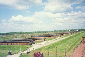 Campo de concentração de Auschwitz-Birkenau em 2001.