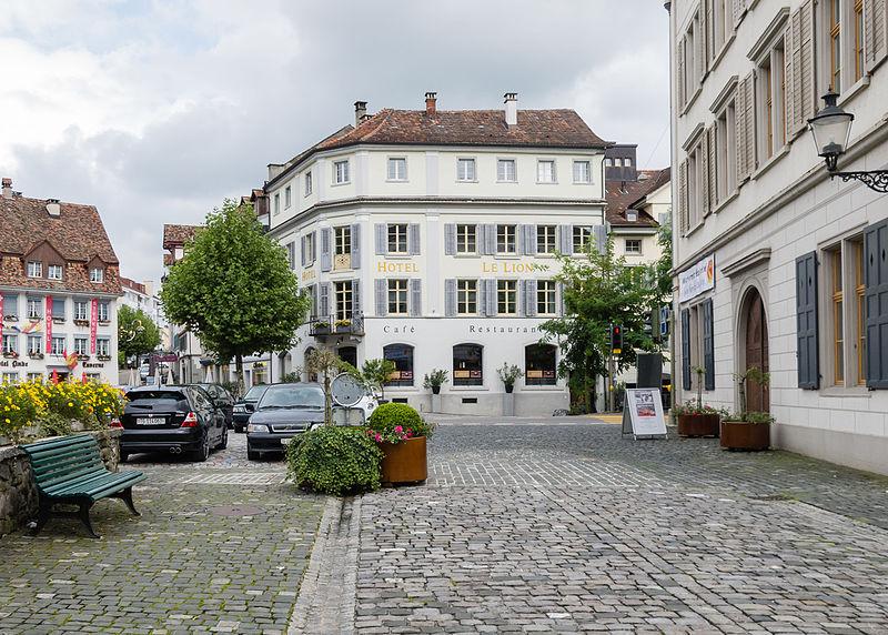 File:Bischofszell Grubplatz-Bahnhofstrasse (2010).jpg