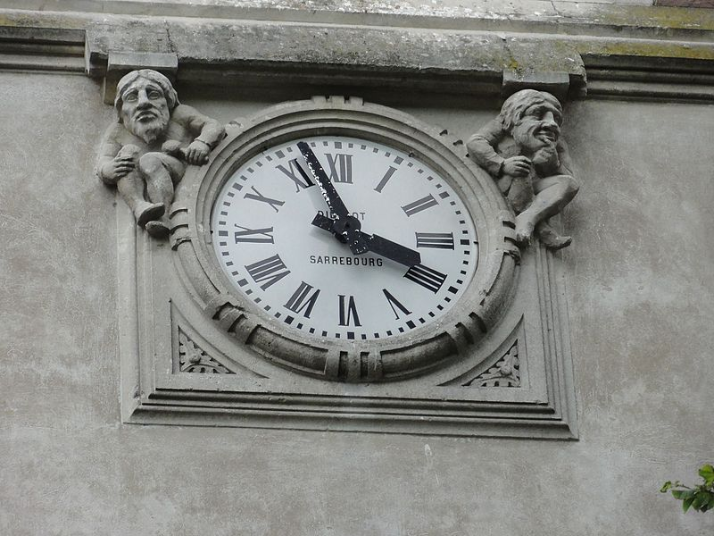 Blémerey (M-et-M) église, sculpture avec horloge, face A de la tour