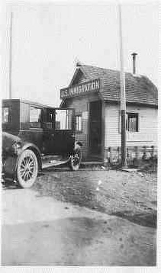 Peace Arch Border Crossing - US Immigration Office at Blaine as seen in 1918