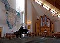 Borge kyrkje i Lofoten alter orgel.jpg