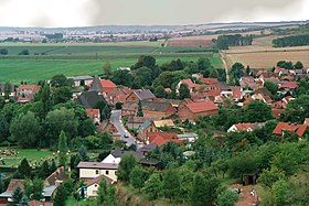 Bornstedt (bei Eisleben), view from the Schweinsburg to the village.jpg