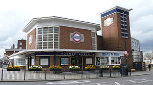 Bounds Green tube station - Station entrance
