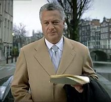 Bram Moszkowicz in commercial (cropped).jpg