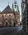 Bremer Rathaus von der Seite.jpg