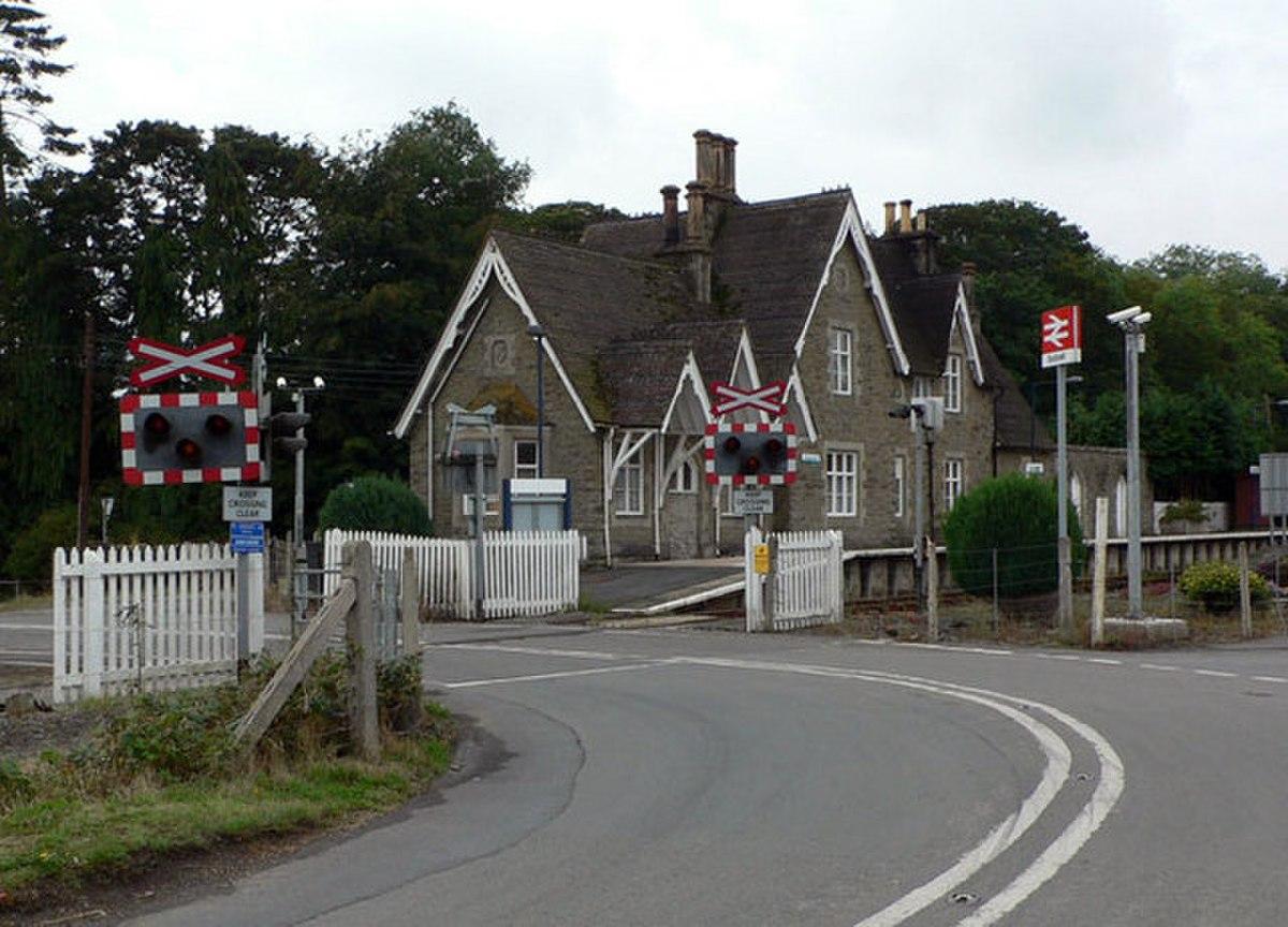 Bucknell Station - geograph.org.uk - 704284.jpg