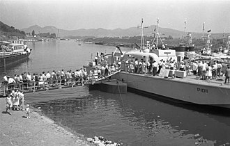 Brave-class patrol boat - Visitors boarding HMS Brave Borderer at Oberwinter, Germany, 1961