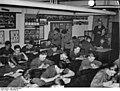Bundesarchiv Bild 146-2003-0051, Reichsberufswettkampf in Textilwerk.jpg