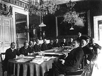 Scheidemann cabinet - First meeting of the cabinet Scheidemann, 13 February 1919 at Weimar. From left to right: Ulrich Rauscher (chief press officer), Robert Schmidt, Eugen Schiffer, Philipp Scheidemann, Otto Landsberg, Rudolf Wissell, Gustav Bauer, Ulrich von Brockdorff-Rantzau, Eduard David, Hugo Preuss, Johannes Giesberts, Johannes Bell, Georg Gothein, Gustav Noske
