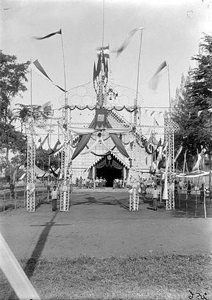 Larantuka - Celebratory decorations in front of the Roman Catholic Church during a public holiday in Larantoeka (early 20th century)