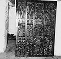 COLLECTIE TROPENMUSEUM In bas-relief bewerkte deur in het paleis van chief Obaseki TMnr 20014557.jpg
