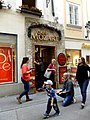 Café Mozart Getreidegaße Salzburg Austria - panoramio.jpg