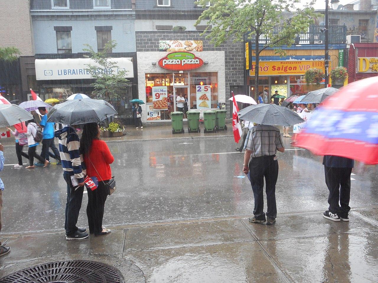 File:Canada Day 2015 on Saint Catherine Street - 345.jpg - Wikimedia