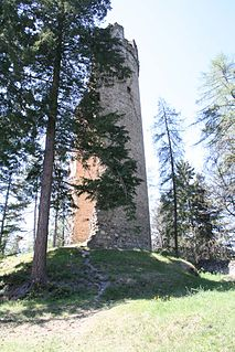 Neu-Süns Castle ruins in Switzerland