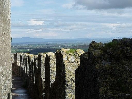 Veduta di un tratto delle Mura di Capalbio