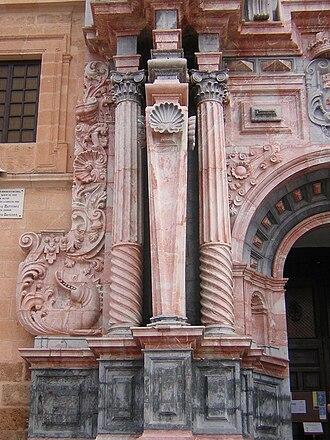 Spanish Baroque architecture - Estipite in the Church of Caravaca de la Cruz.