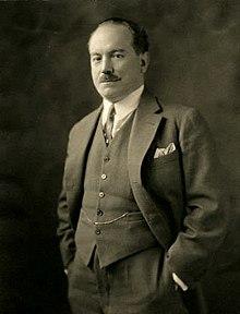 Carlos Davila Espinoza (1927).jpg