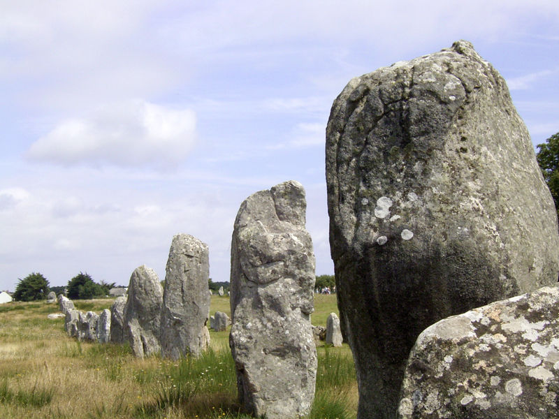 Fichier:Carnac megalith alignment 1.jpg