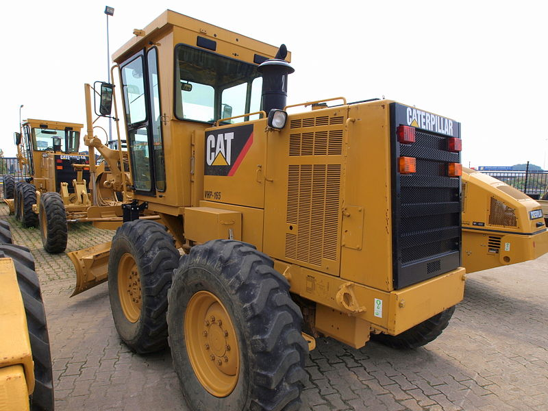 File:Caterpillar VHP-165.JPG