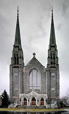 Salaberry-de-Valleyfield (Québec) - Basilique-cathédrale Sainte-Cécile? photo Pierre Bona /commons.wikimedia.org