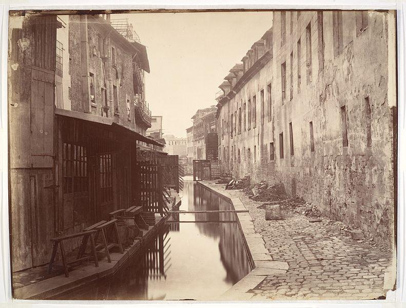 Fichier:Charles Marville, La Bièvre, ca. 1865.jpg