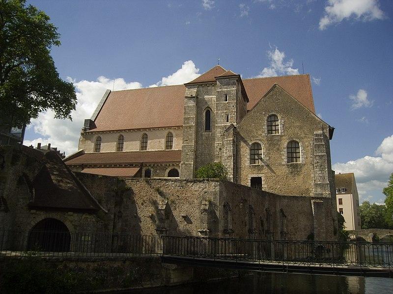 File:Chartres, Collégiale Saint-André, Коллегиальная церковь Сен-Андре Chartres (Шартр), Франция - путеводитель по городу, достопримечательности