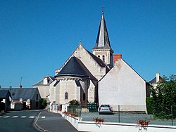 Chevet eglise st jacques de courleon.jpg