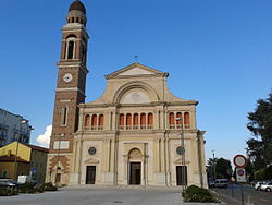 Chiesa parrocchiale di San Lorenzo.jpg