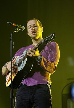 Chris Martin a 2008-as Coldplay turnén