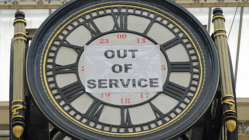 Clock out of service sign (4440585847)