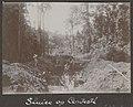 Collectie NMvWereldculturen, RV-A102-1-133, 'Sluice op Contesté'. Foto- G.M. Versteeg, 1903-1904.jpg